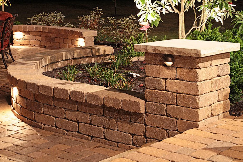 Retaining Wall Lights Low Voltage : Landscape Lighting - Old World Pools